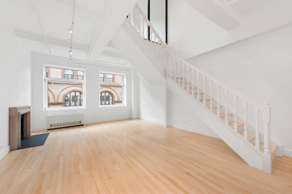 Vacant, Loft-style apartment in Greenwich Village the Duplex Photographed