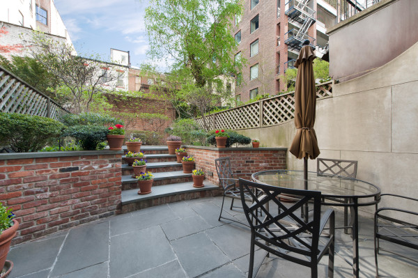 Townhouse Garden - Real Estate Photography by Duplex
