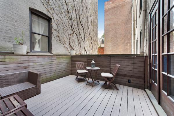 outdoor_terrace_nyc_photo