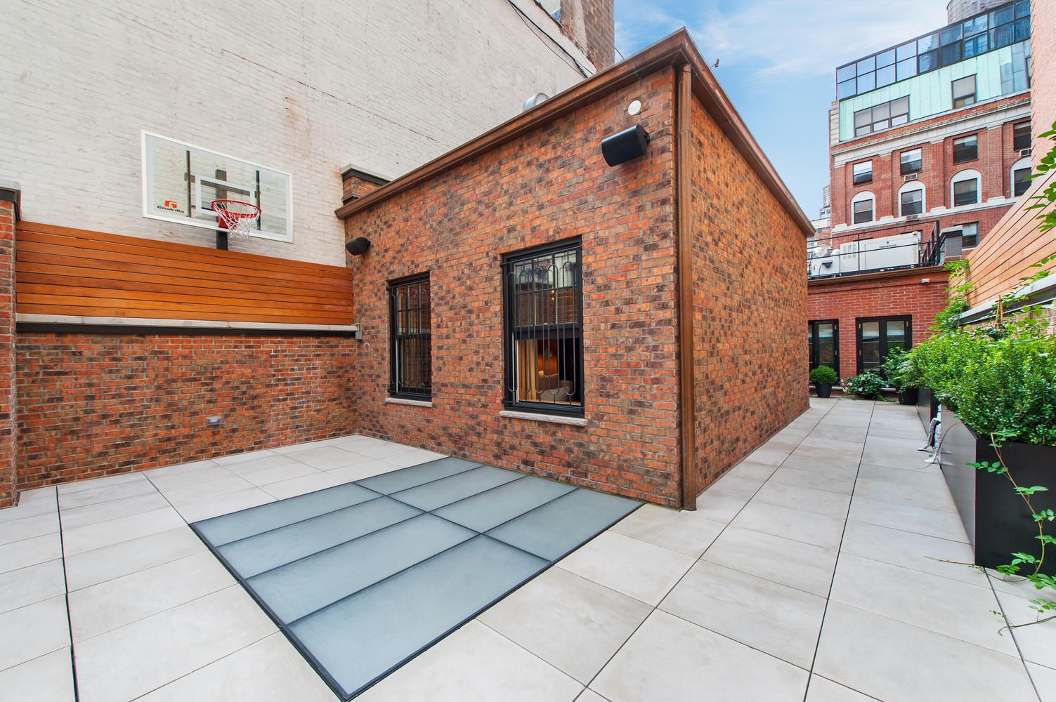 11-outdoor-basketball-court-real-estate