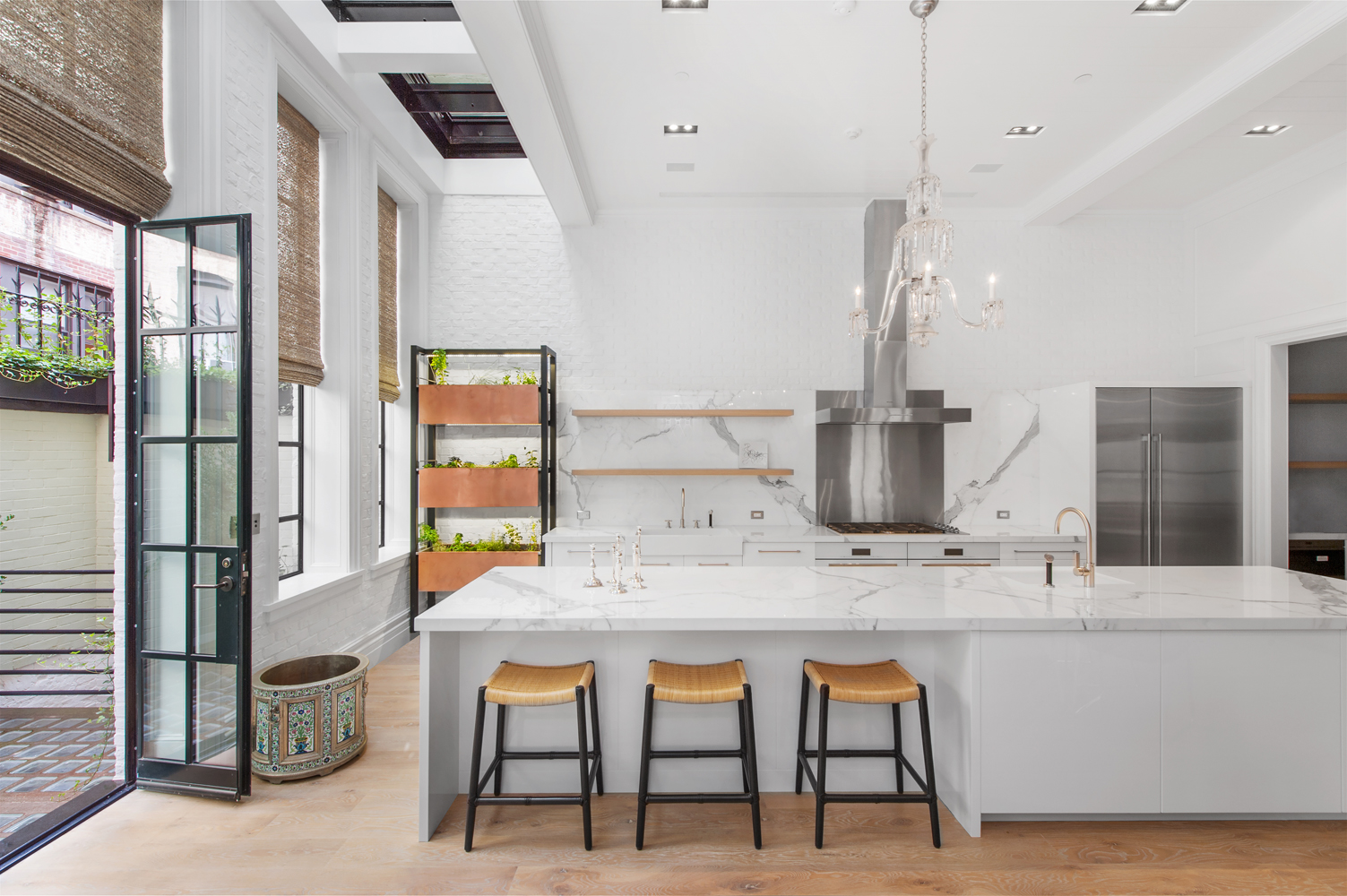 6-architecutral-shot-of-kitchen