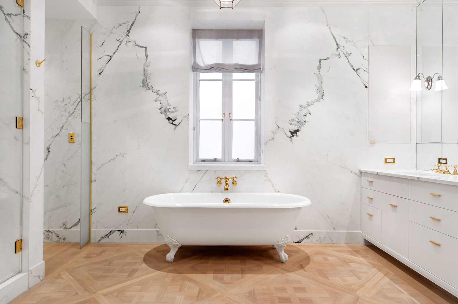 9-luxury-bathtub